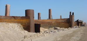 демонтаж металлоконструкций на дамбе в г. Кронштадт